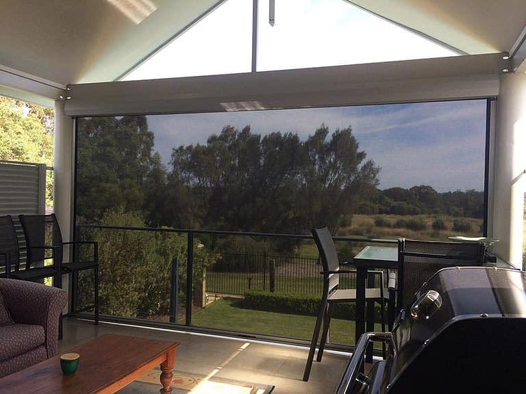 HOW TO PREPARE YOUR MOTORISED OUTDOOR BLINDS FOR RAIN AND STORM